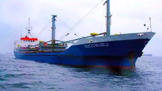 Türk gemisi kaderine terk edildi
