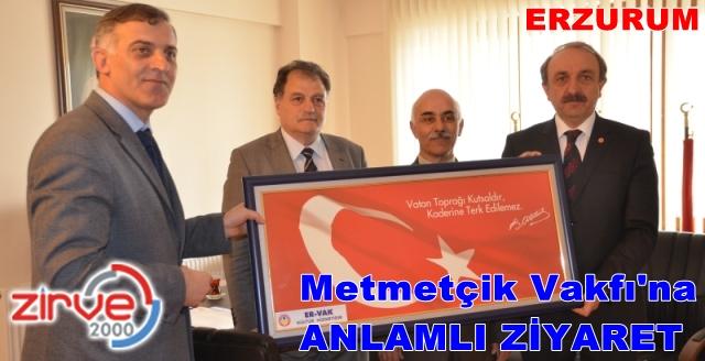 Türk Bayrağı tablosu hediye ettiler