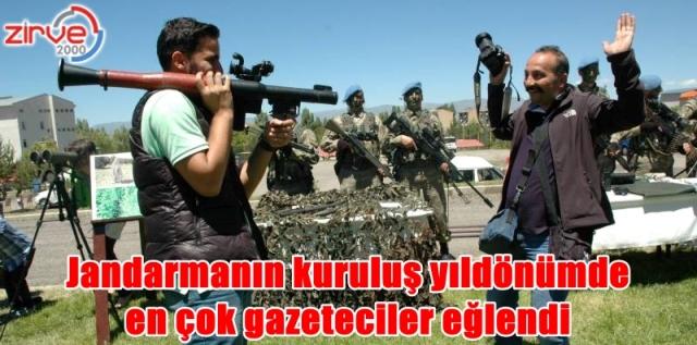 Gazetecilerin silah merakı