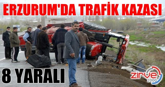 Otomobil traktöre çarptı