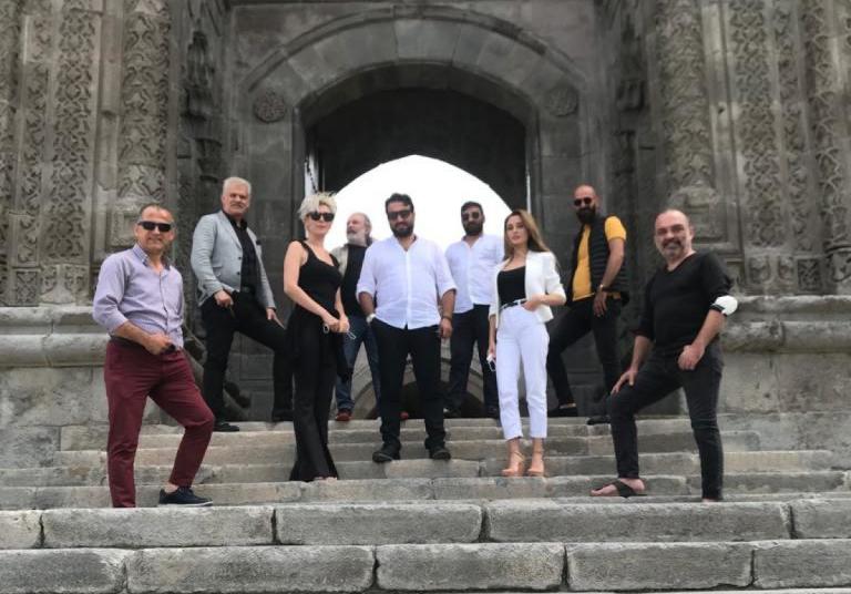 Erzurumlu mümessilin yaşadıkları film oluyor